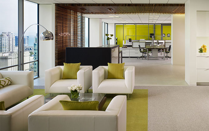 Arquitectura modular y muebles para oficina modernos for Disenos de interiores para oficinas